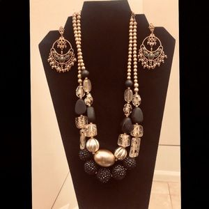 Jewelry - Necklace & Earrings